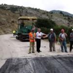 Асфалтират пътя между чернооченските села Босилица и Бакалите
