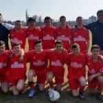 Тимът на Черноочене-първенец в областна надпревара по футбол